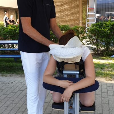 Stoelmassage | Zomerevenement speciaal onderwijs